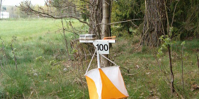 800px-Orienteering_control_point